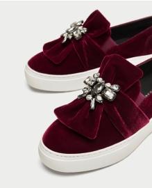 Velvet sneakers 49,95€ (Zara)